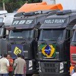 Caminhoneiros devem entrar hoje em Brasília e protesto aumenta tensão http://t.co/k1OXavgDfS http://t.co/7gj3XCest5