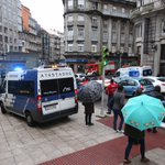 #Tráfico | Atasco en el centro de Vigo tras volcar un coche en el cruce de Gran Vía con Urzáiz http://t.co/6PDMojVSgG http://t.co/v7KjZjJins