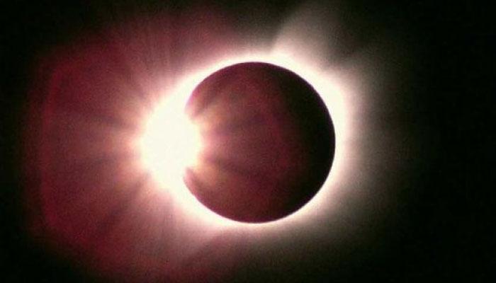 20 марта белорусы смогут увидеть крупнейшее за 16 лет солнечное затмение  http://t.co/gQDyolJwE0 http://t.co/08PCNhSnNE