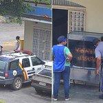 Fardado, PM vende frango assado em rua do Distrito Federal http://t.co/zrSmt4rxuj #G1 http://t.co/OBj4QImNsN