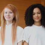 【New!】この2人のティーンはただの姉妹ではない。双子だ。 http://t.co/yizVucxMGt http://t.co/vsxd4LqESW
