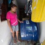 A cara da tia define: RT @folha: Moradores ganham caixa-dágua da Sabesp, mas não têm onde pôr http://t.co/3AKVBnLMdp http://t.co/tBByV4Jlxl