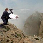"""@RoroVillanuevaV: @lasultimas Acá va nuestra ofrenda Madre Tierra #VolcanVillarrica http://t.co/xXUbdoA0VY""//😂😂😂"