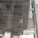 @RPPNoticias @noticiAmerica @atv_noticias Hace escasos minutos mujer cae de una de las Torres del CC Camino Real http://t.co/DoRAWg04uX
