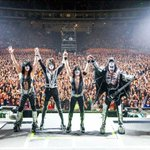 Massive crowd at Tokyo Dome tonight. KISS Army Japan you rocked! We love you.#KISSROCKSJAPAN http://t.co/uramKg7Mwo