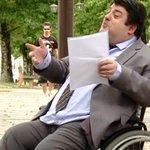 Sem acessibilidade no Fórum, juiz sugere troca de advogado cadeirante http://t.co/PWshaCMT3m #G1 http://t.co/v63DsVwqup