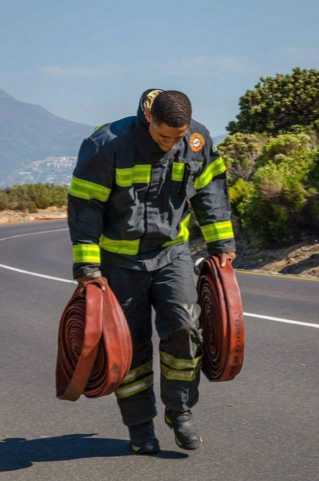 It's been a long hard slog but never doubt our support & gratitude for your service! #CapeFire http://t.co/Yndxi5XJmY