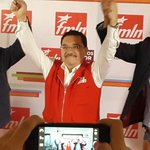 @FMLNoficial celebra triunfo municipal y legislativo. Srio. Medardo González, Nayib Bukele y Miguel Pereira. http://t.co/fTlQV1rnXL