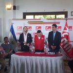 Conferencia de prensa del @FMLNoficial @nayibbukele @Miguelpereirasv en ((vivo)) por @RadioNacionalsv http://t.co/OyajyjOv83