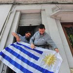 Reproches de ex presos de Guantánamo a Uruguay: se quejan de los precios y piden ayuda de EEUU http://t.co/kh9re5UdZD http://t.co/zRx2B2yc7x