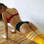 #SeríaTanFelizSi encuentro a mi novia asciendo ejercicio así @Radio_Oxigeno http://t.co/pPd9qwJRHP