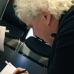 This was the moment this morning when pen went to paper and Sir Simon Rattle became Music Director to be. #lsorattle http://t.co/3aY95sz4i2