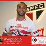 Wesley é apresentado no São Paulo e diz que só acertou contrato após o Brasileirão. Saiba mais http://t.co/OT4yFMG3XA http://t.co/2DD3lcWEIW