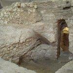 Arqueólogos encontram casa onde Jesus pode ter passado a infância. http://t.co/8x5zDdanNM http://t.co/QfqI8CCajh