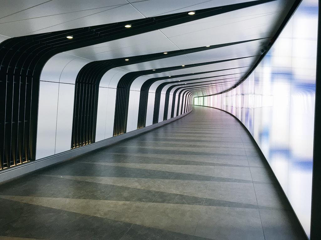 What a stunning tunnel at @StPancrasInt it just needs Darth Vader and Peter Cushing #architecture @gossjam http://t.co/RRTI0Cbaeu