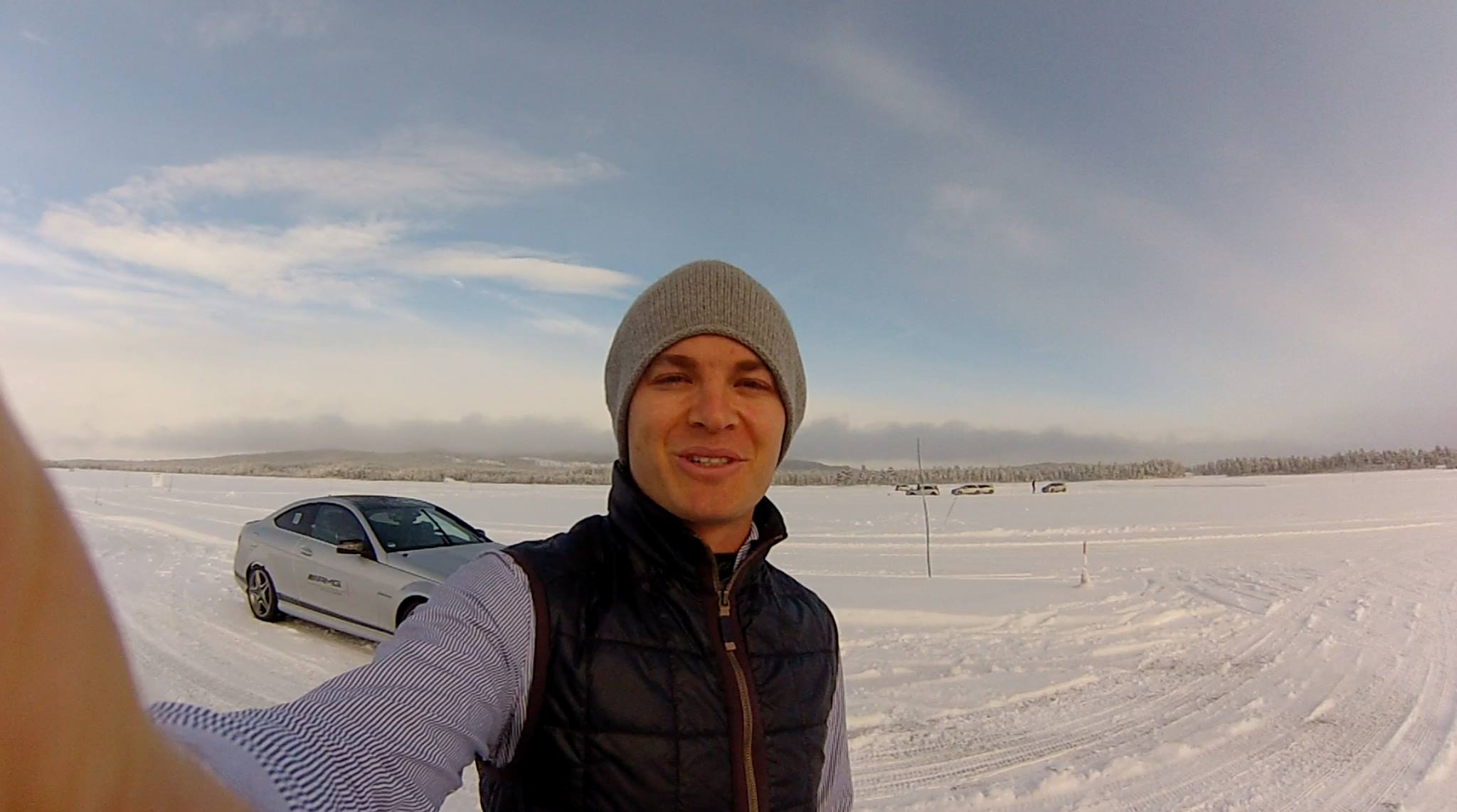 ice driving challenge in sweden #megafun #warmUp in the snow @MercedesAMGF1 @MercedesAMG http://t.co/X7g4gMCPU4