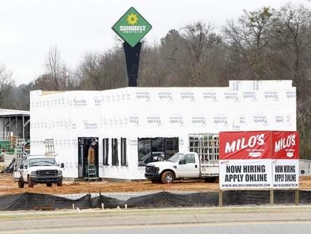 Milo's hamburgers making return to #Tuscaloosa http://t.co/DFclLKakUp http://t.co/yPTjQptlOn