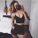 #razzia sur Le crop top : http://t.co/c4Yx4J1hyO  | Le short : http://t.co/PITtD4sOms  ? http://t.co/U7vGX2FHNA