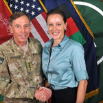 Former CIA Dir. David Petraeus has agreed to plead guilty to midhandling classified materials http://t.co/k4nMV5UEkY http://t.co/YsKdVigptq