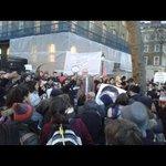 Va foto del recibimiento a @epn en Londres, acompañada del hashtag #EPNnotWelcome Vía @GermanMun http://t.co/QV3P6Q0RbG