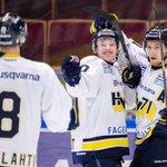 HV71 besegrar Leksand med 5-2 och säkrar därmed en plats i SM-slutspelet. Foto @bildbyran #hv71 http://t.co/TkVrLi1Zry