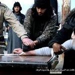 Imagens mostram como Estado Islâmico corta mão de suposto ladrão http://t.co/OJWXfU2GEI #G1 http://t.co/VxxctPVZSg