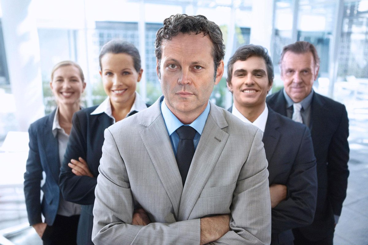 Vince Vaughn and co-stars pose for Idiotic Stock Photos you can have for free http://t.co/Jgw1LoRANs http://t.co/CuXZxIp9hp