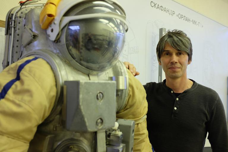 What is the story of humanity and our place in the universe? Watch #HumanUniverse w/ @ProfBrianCox @ 9 #science http://t.co/KFdI57Asid
