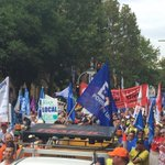 Sydney marching now, going off with a bang as workers shout Abbott out #DarwinNT tonight #ntpol http://t.co/LECVkAgnSl""