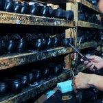 Tuvo que contratar más empleados, más obreros. Uno de ellos, Odalis. http://t.co/zChnJWyyEd