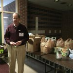 .#BTV Ward 4 continues its decades-long tradition of gathering food for local charities during voting on #TMDVT http://t.co/35tNOQ6z4l