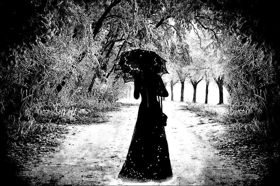 Poemas en CANAL LITERATURA http://t.co/A8i63CJAcm Es una plañidera sin lágrimas en sus cuencas vacías y trágicas… http://t.co/0kIWoNuOT9