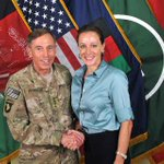 Retired four-star general and former CIA director David Petraeus to plead guilty in leak case http://t.co/5WWdiyA96e http://t.co/nFGxWsraBJ