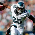 Eagles RB LeSean McCoy has been traded to the Buffalo Bills for LB Kiko Alonso, @AdamSchefter reports http://t.co/HfnpUd6UeI