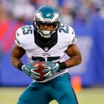 Sources: Eagles trade RB McCoy for Bills LB Alonso - http://t.co/dDB9yS9B21 http://t.co/Qq6chE67tS