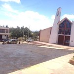 Con #HechosdeVerdad, llega jornada de parcheo preventivo a la vía frente a la iglesia del barrio Los Muiscas. http://t.co/5TNzRHNnim
