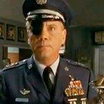 Décès de Daniel Von Bargen, le commandant Spangler de «Malcolm» http://t.co/zhgGuairix http://t.co/spwwGnmUI1
