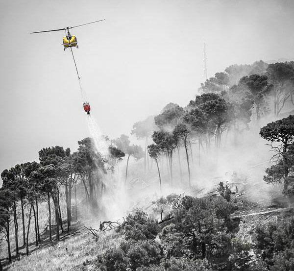 How you can help the firefighters in Cape Town http://t.co/irao2DMoiH #CapeTownFire @vswfires http://t.co/2c4ERBPQEM