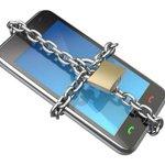 [ALERTE] Cyberattaques, sur les #smartphones aussi ! http://t.co/ZtLg9c6uoC http://t.co/yUz3B3HYtD