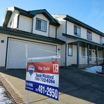 Housing market in Edmonton is looking up for spring: Realtors association #yeg  http://t.co/PA8Tl0xVEr http://t.co/DXXYstvpZX