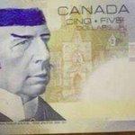 """Banque du Canada : """"arrêtez de dessiner Spock sur les billets de cinq dollars !"""" http://t.co/BqG4hDYzTd http://t.co/nOuNVvvzGW"""