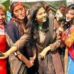 Students celebrate #Holi at Chandka Medical College in #Larkana #Pakistan http://t.co/XV5t6vjEHX v @bilalfqi