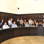 """@LARSAVISIONTV: Cabildo de Hermosillo prohíbe instalación de pendones https://t.co/NEDKr45Ooq http://t.co/k0vG9rX7ap"" / @PalafoxDavid"