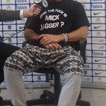 "Osvaldo en Fox. Dice de Lodeiro: ""corre como loco. Para mí q tiene merca en las medias"". Jajaja http://t.co/vyFkMQPTKc Foto @DanielRetamozo"