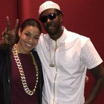 RT @HotNewHipHop: Watch the official lyric video for @jordinsparks x @2chainz #DoubleTap http://t.co/zpVy89vw5x RT! http://t.co/6fVrW6flZa