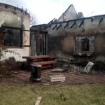 RT @Artii_M: Burnt house in #Noordhoek #CapeFire http://t.co/jXaSuveWAB