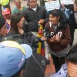 Vendedora ambulante de #Tunja explicándole a medios razones de su lucha, http://t.co/Pm202CKD98