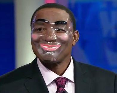 And here's Isiah sporting a mask... we're sorry if you don't get any sleep tonight now. http://t.co/UvAzhHodUG