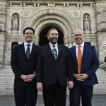 Good to see @jjhorgan at the Leg in #Victoria with @AMacGregor4CML. #NDP #cdnpoli #bcpoli http://t.co/XHy10G12pO