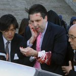 Update: Obama calls #US ambassador to #Seoul Mark Lippert after he is slashed in face by man http://t.co/jmb7Nsk4Ry http://t.co/3dTmpsJovT